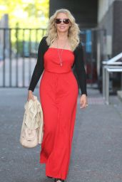 Carol Vorderman Casual Chic Outfit - Outside ITV Studios in London 6/6/2016