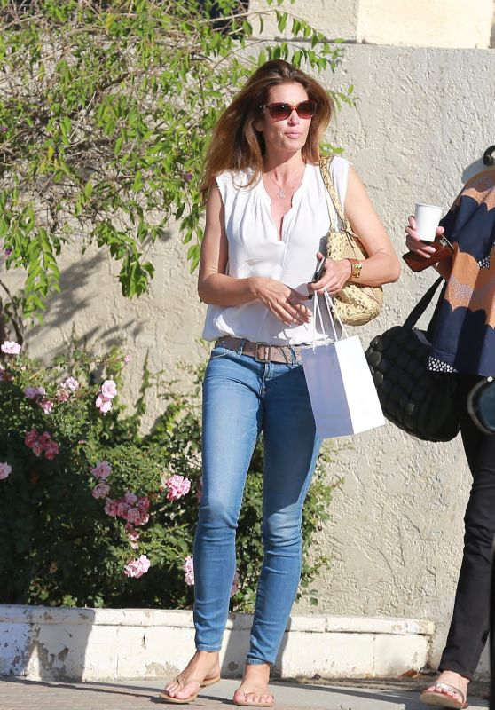 Cindy Crawford - Shopping in Malibu 6/20/2016