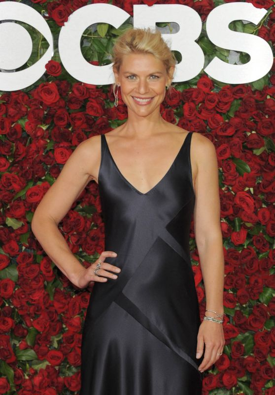 Claire Danes – 2016 Tony Awards in New York