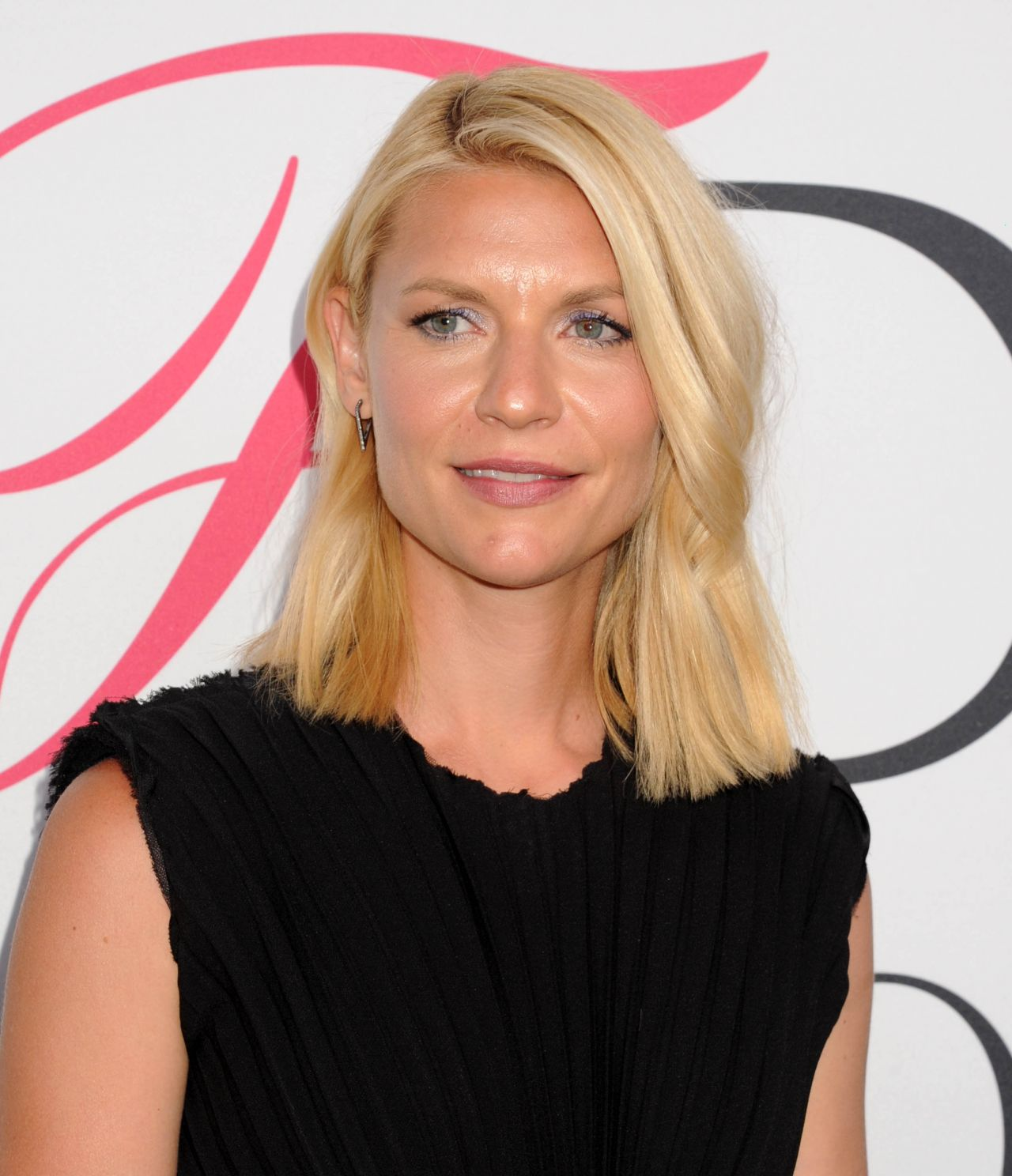 Claire Danes – CFDA Fashion Awards in Hammerstein Ballroom, New York ... Claire Danes