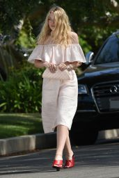 Dakota Fanning Outfit Ideas - Out in Los Angeles 6/10/2016