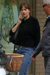 Dakota Johnson Chats on Her Cell Phone - Heading to Grab a Sushi Meal on Saturday in Vancouver, June 2016