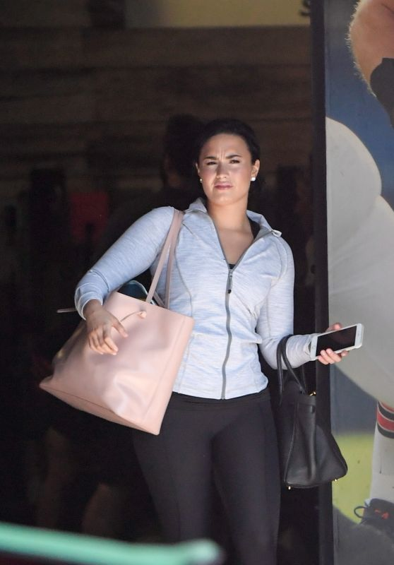 Demi Lovato - Leaving a Gym in Los Angeles 6/8/2016