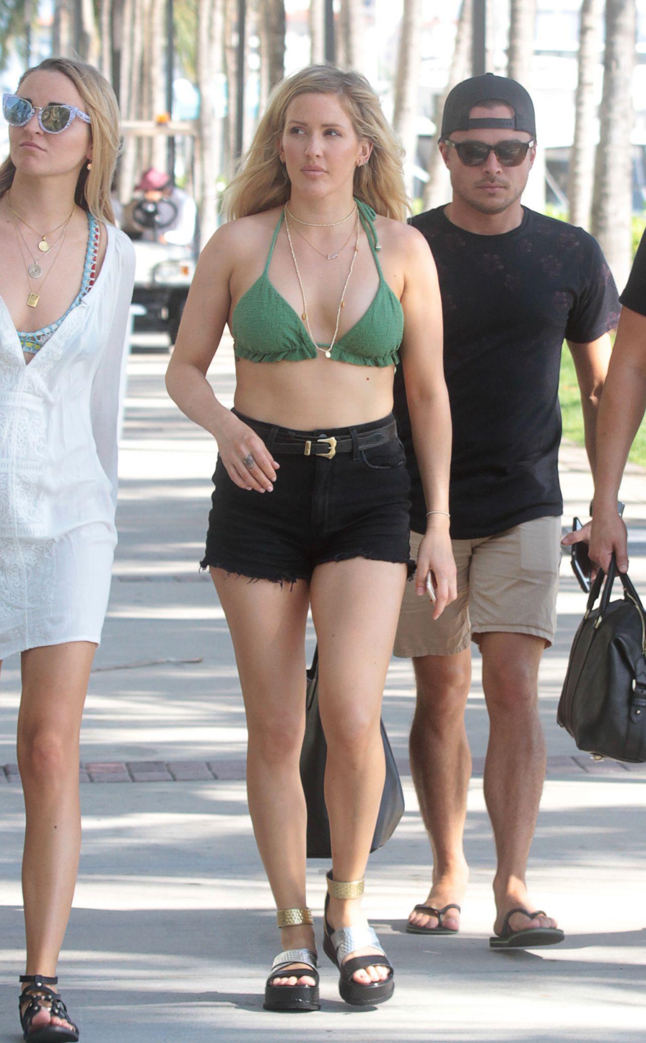 bryce dallas howard bikini