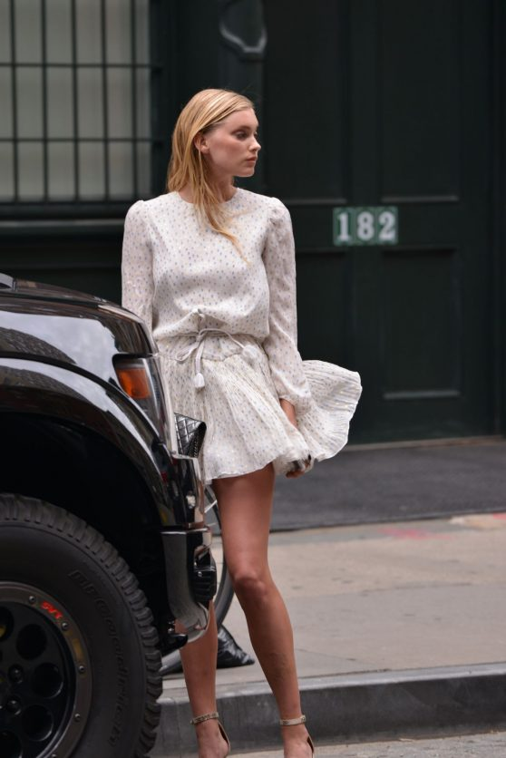 elsa-hosk-in-a-short-dress-in-tribeca-nyc-6-13-2016-1