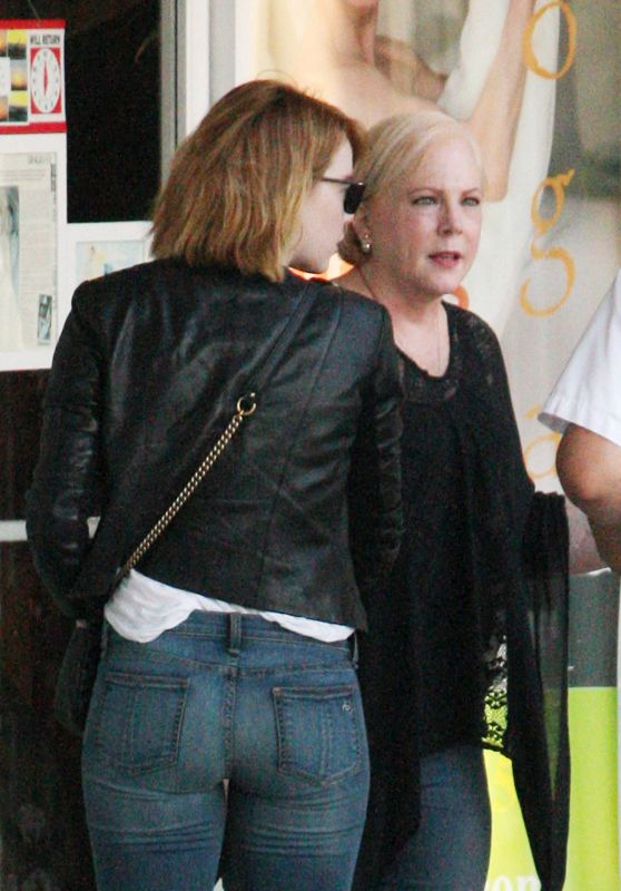 Emma Stone Booty in Jeans - Out in Beverly Hills, June 2016