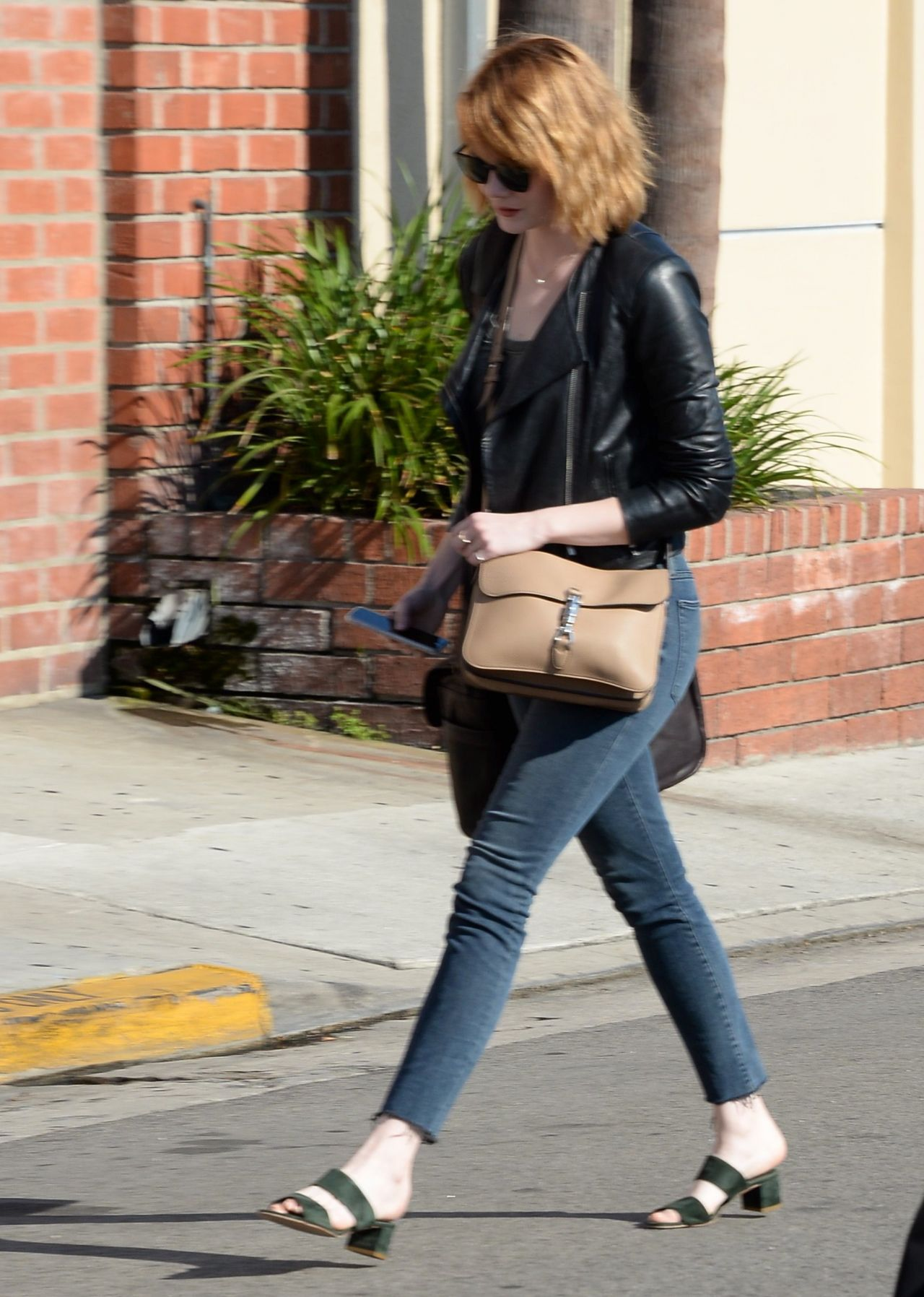 Emma Stone Casual Style Out In Beverly Hills 6 18 2016