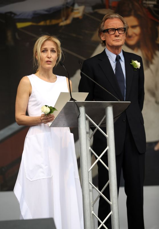 Gillian Anderson - Memorial for Murdered Labour MP Jo Cox at Trafalger Square 6/22/2016