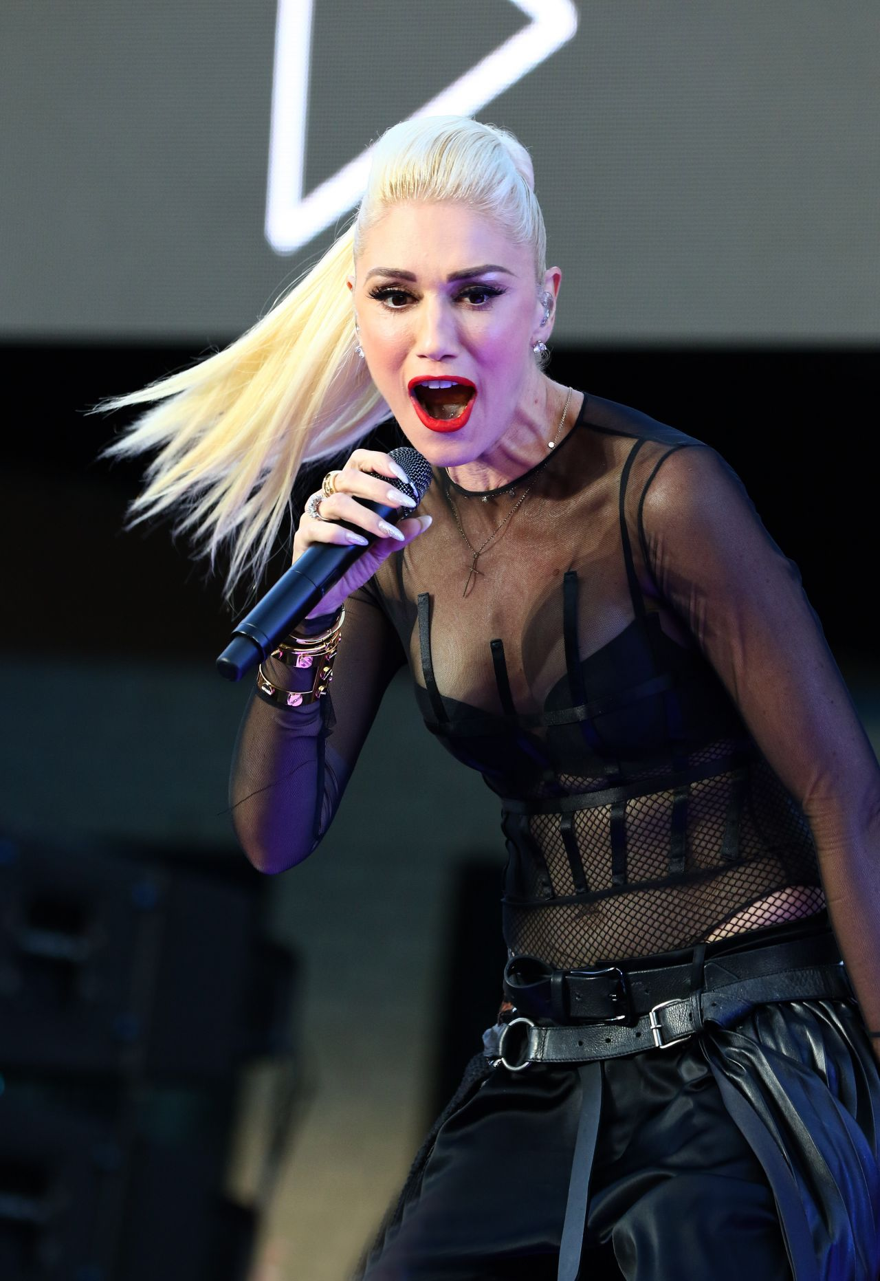 Gwen Stefani Performs A Free Concert At Samsung 837 New