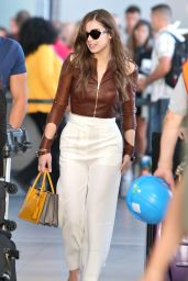 Hailee Steinfeld Travel Outfit - Pearson International Airport in Toronto 6/20/2016