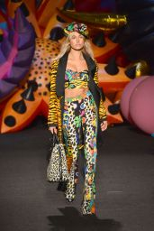 Hailey Baldwin – Moschino Spring Summer 2017 Collection Fashion Show in Los Angeles