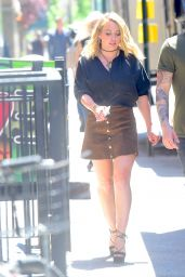Hilary Duff in Mini Skirt on the Set of