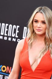Hunter King – 'Independence Day: Resurgence' Premiere in Hollywood 6/20/2016
