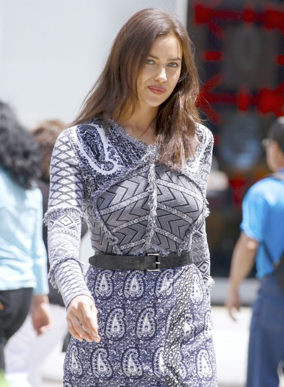 irina-shayk-photoshoot-set-in-new-york-city-6-18-2016-16