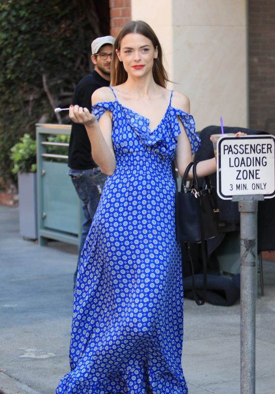 Jaime King Style Inspiration - Outside of a Medical Building in Beverly Hills 6/7/2016