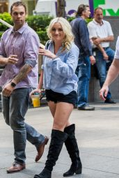 Jamie Lynn Spears - Visiting News Corp Building in Manhattan 6/21/2016
