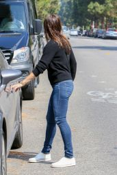 Jennifer Garner Booty in Jeans - Out in Los Angeles 6/28/2016