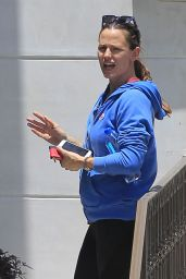 Jennifer Garner in Spandex - Out in Los Angeles 6/7/2016