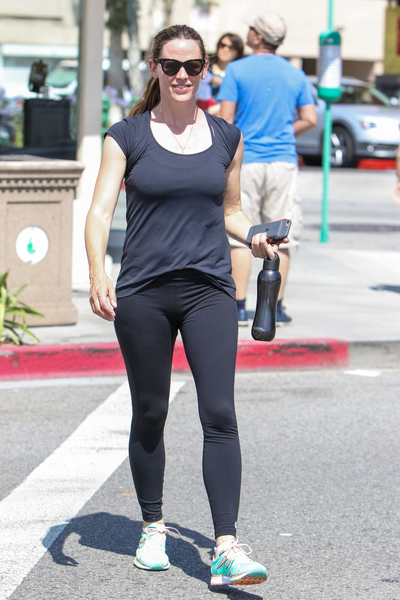 Jennifer Garner In Tights Leaving A Gym In Los Angeles 6