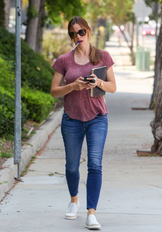 Jennifer Garner - Out in Brentwood 6/27/2016