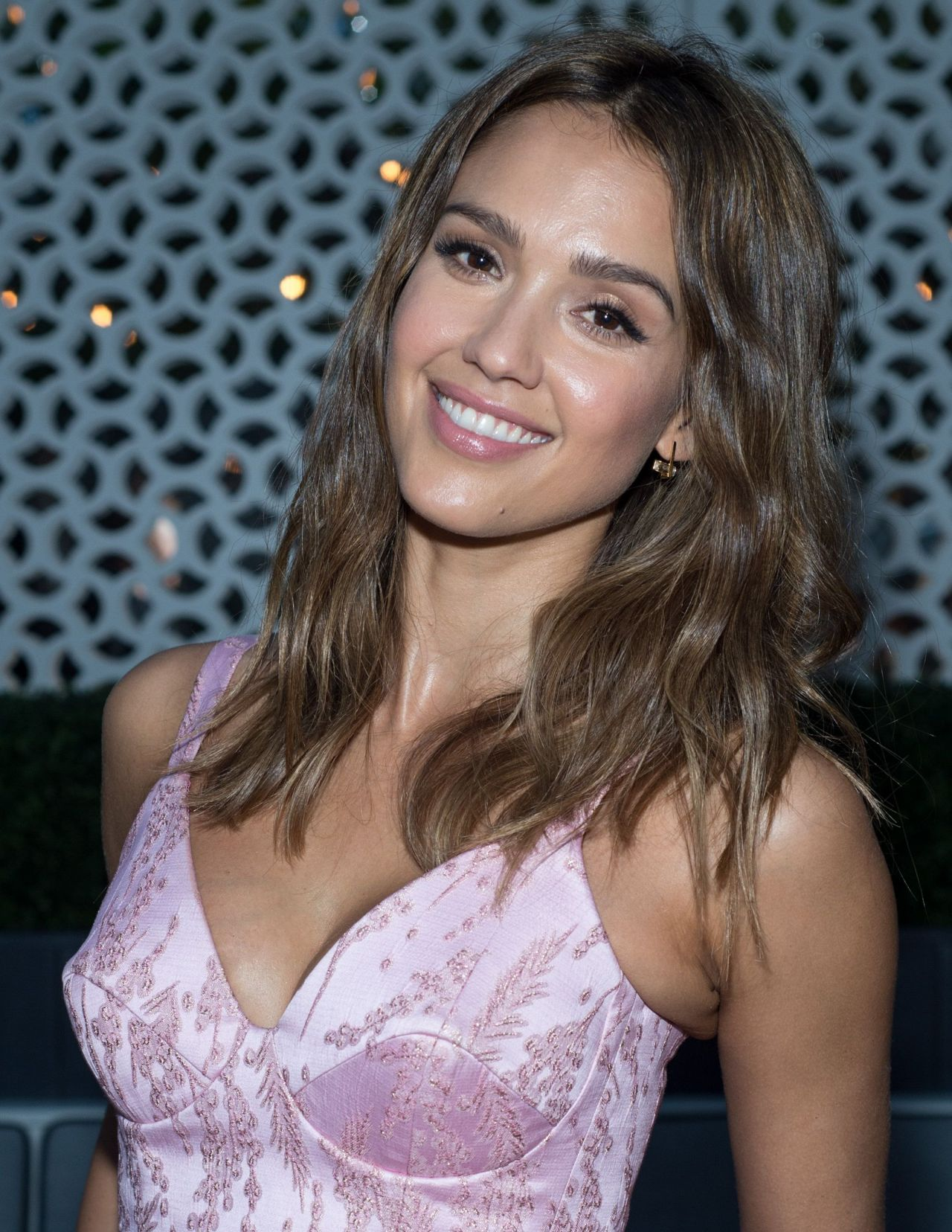 Jessica Alba Instyle Cover Dinner In New York City June