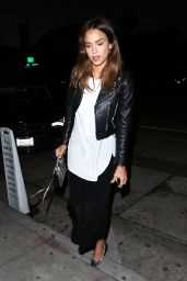 Jessica Alba Outfit Ideas - Leaving Craig