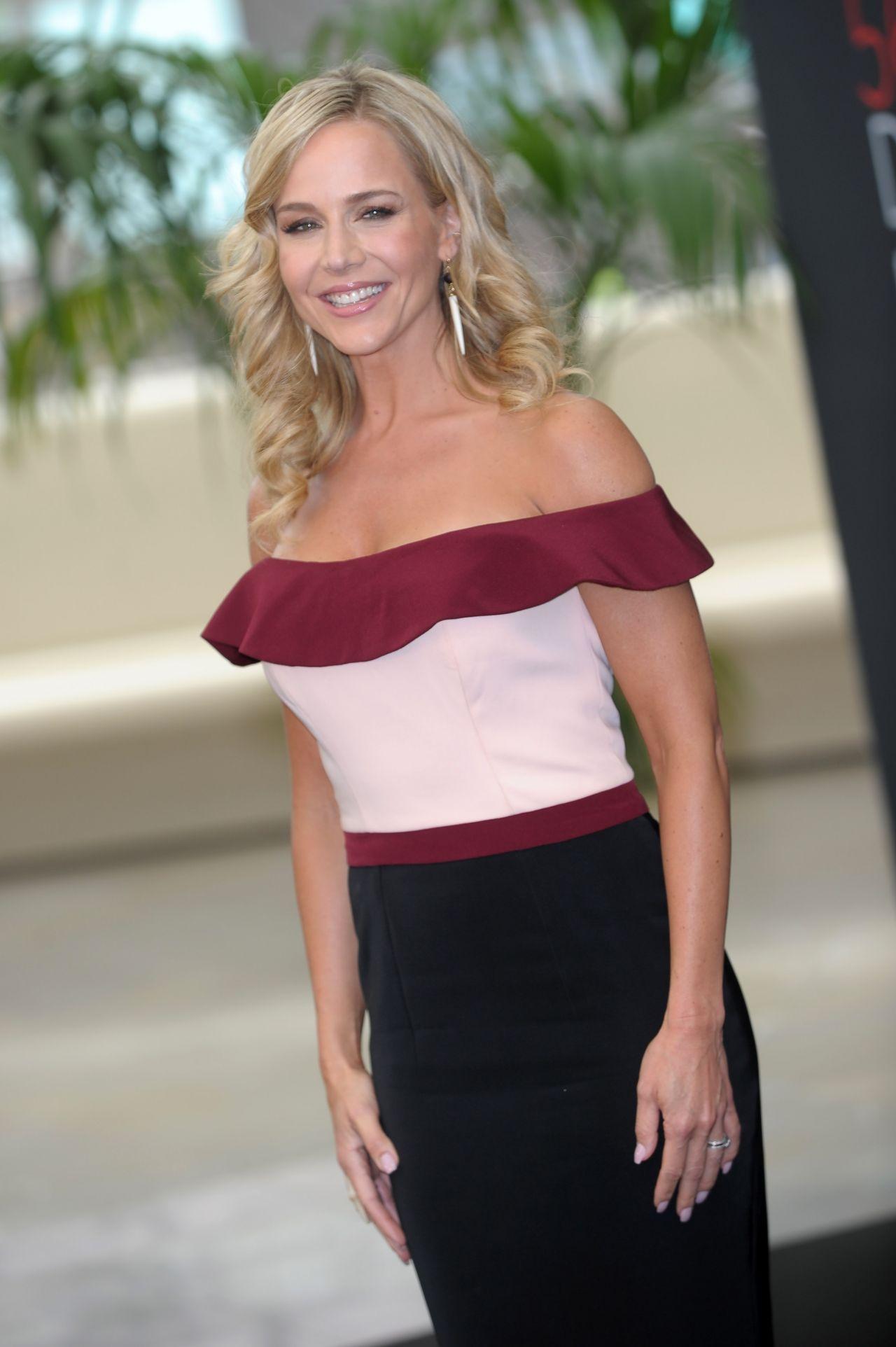 Julie Benz - Hawaii Five-O Photocall - 56th Monte-Carlo