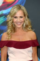 Julie Benz -