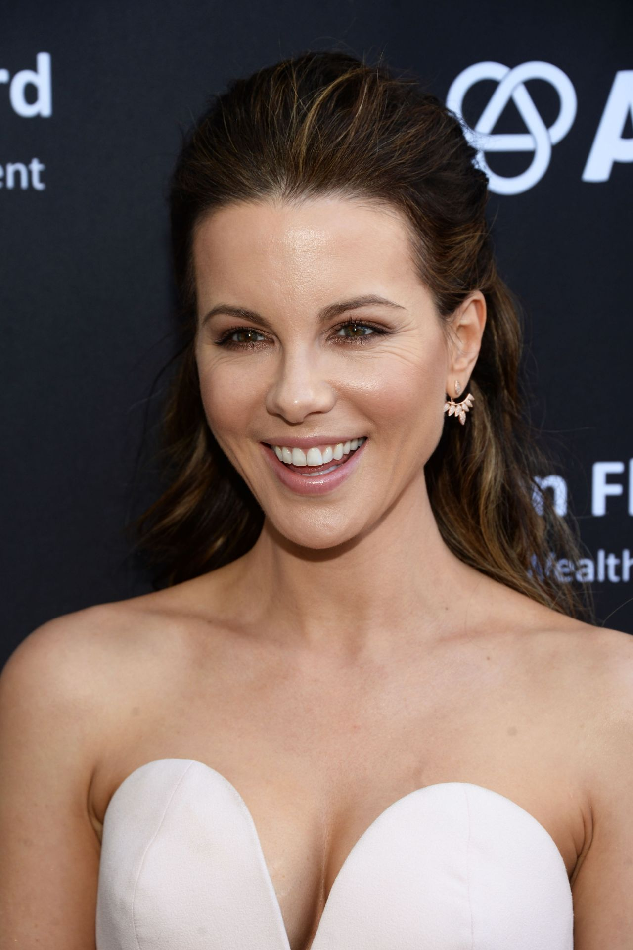 Kate Beckinsale Bafta La Garden Party In Los Angeles 6