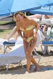 Kate Hudson Bikini Pics - Hawaii 5/30/2016