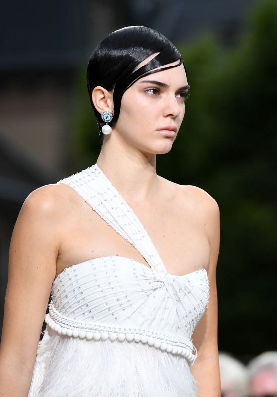 Kendall Jenner - Givenchy Spring/Summer 2017 Paris Fashion Week 6/24/2016