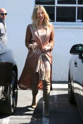 Khloe Kardashian Shows Off Her Eclectic Style - Stops by a Studio in Van Nuys in California 6/16/2016