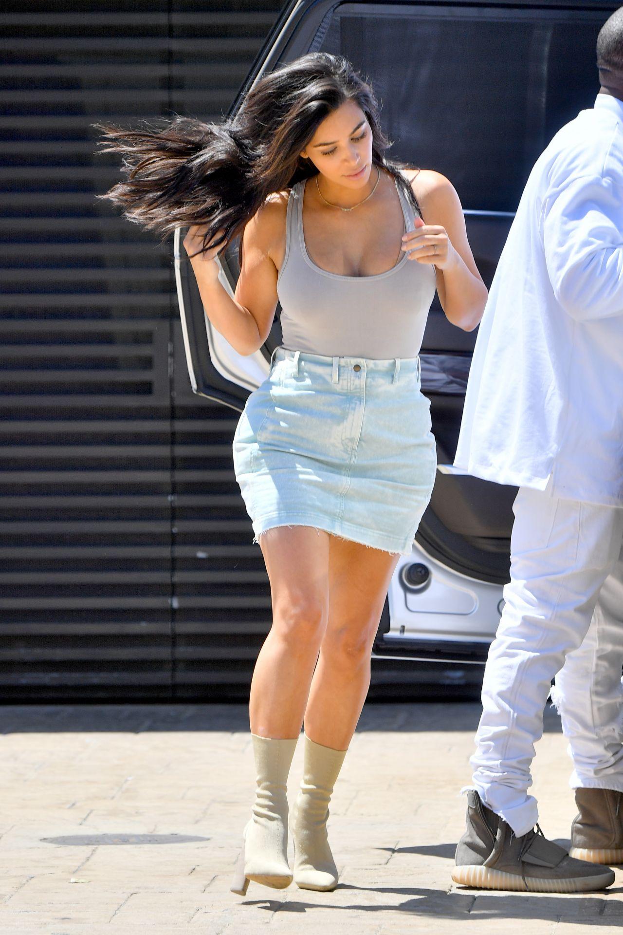 Kim Kardashian Summer Outfit Ideas - Out In Nobu, Malibu 6 -2308