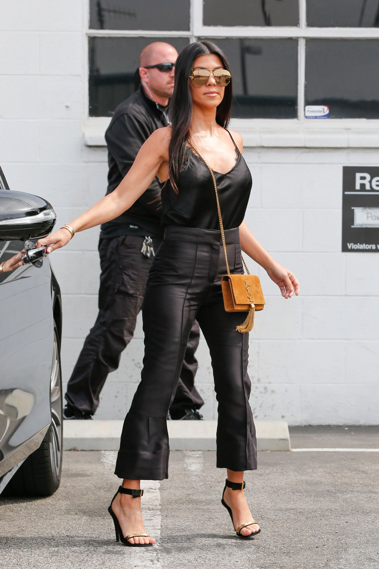 Kourtney Kardashian Classy Fashion Slips Out Of The Studio In Van Nuys 6 10 2016
