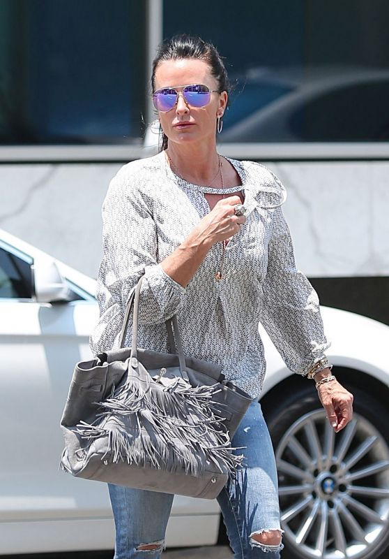 Kyle Richards in Ripped Jeans - Shopping in Beverly Hills 6/17/2016