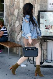 Kylie Jenner - Grabbing Lunch in Woodland Hills in California 6/23/2016