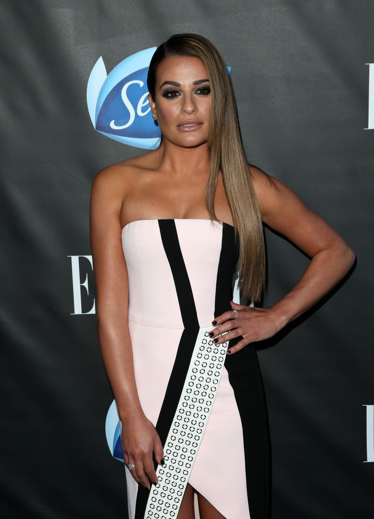 Lea michele elle hosts women in comedy event in west for Le elle apartments west hollywood