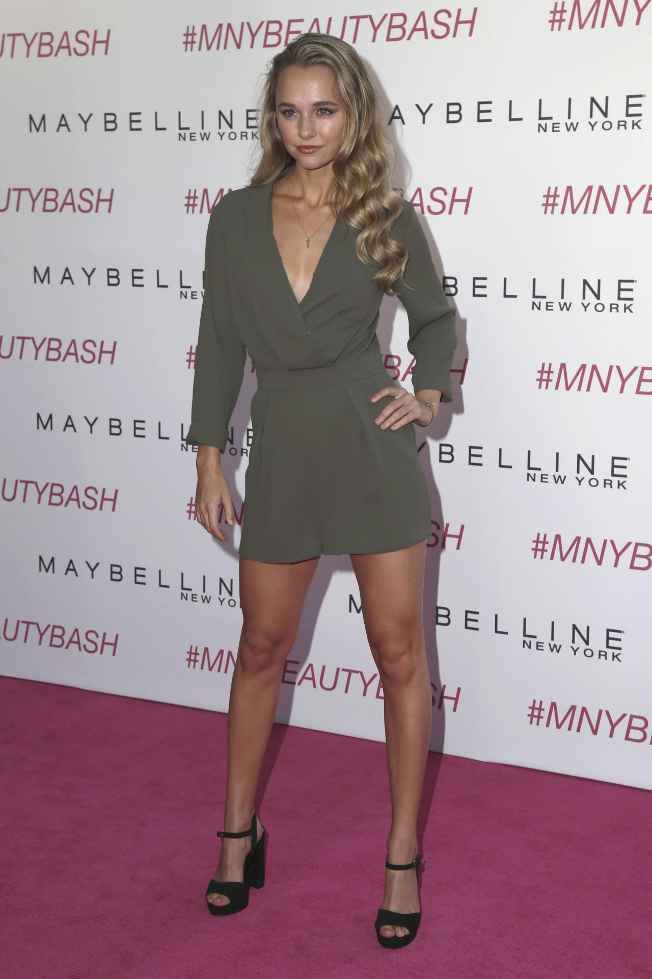 Madison Iseman Maybelline New York S Beauty Bash In Los