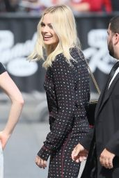 Margot Robbie Arriving to Appear on