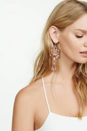 Marloes Horst Photos - Lesli Dale Vintage Jewelry for Express 2016