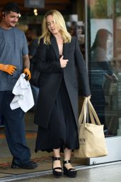 Mena Suvari Shopping at Erewhon Natural Foods in Los Angeles 6/9/2016