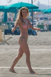 Michelle Hunziker - On The Beach in Forte Dei Marmi in Italy 6/28/2016