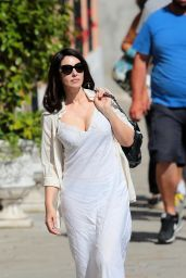 Monica Bellucci - Arriving on Set of