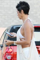 Nicole Murphy Casual Style - Out For Lunch in Beverly Hills 6/26/2016