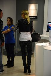 Paris Hilton - Shopping at the Apple Store in Milan, Italy 6/16/2016