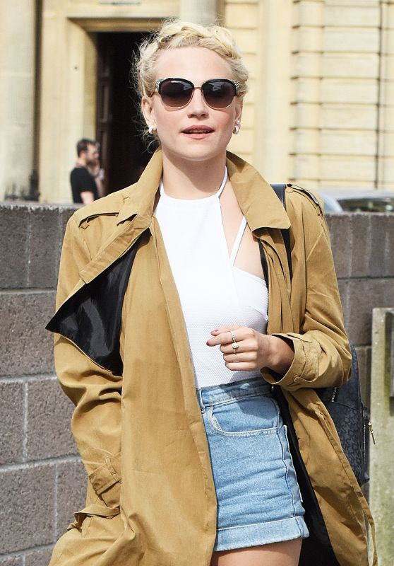 Pixie Lott at Italian Restaurant in Plymouth, England 6/23/2016