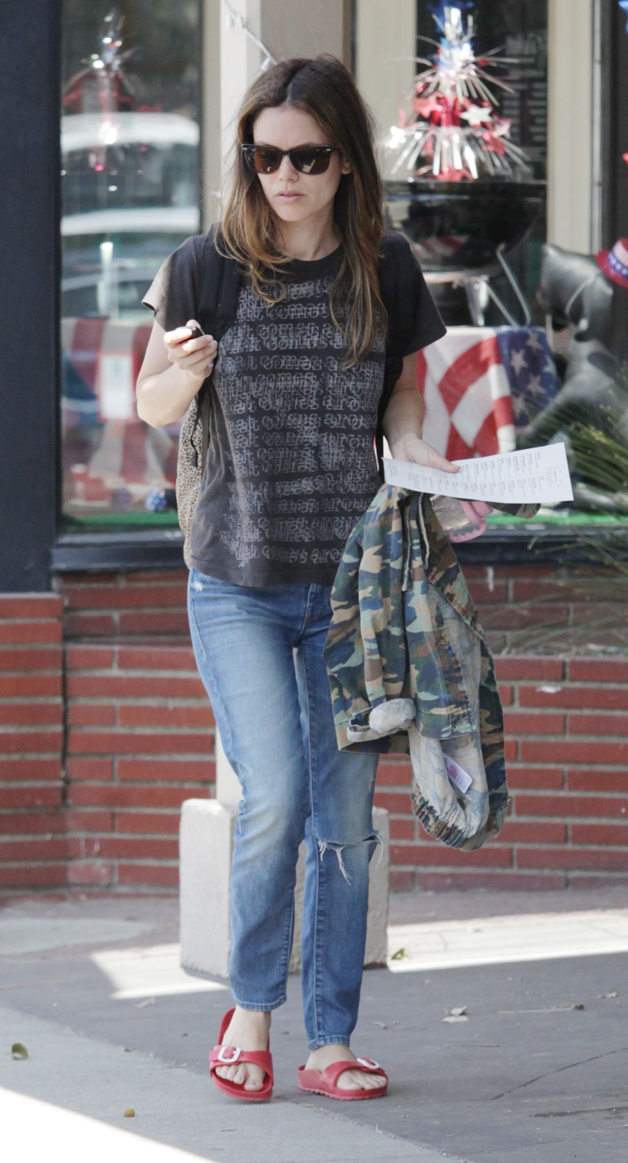 rachel bilson street style out in toluka lake 672016