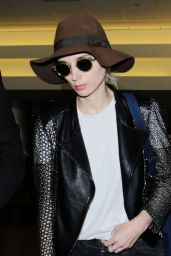 Rooney Mara Travel Outfit - LAX Airport in LA 6/8/2016