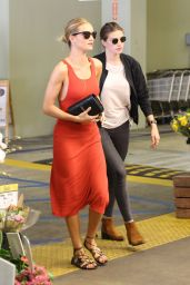 Rosie Huntington-Whiteley - Grocery Shopping in Beverly Hills, June 2016