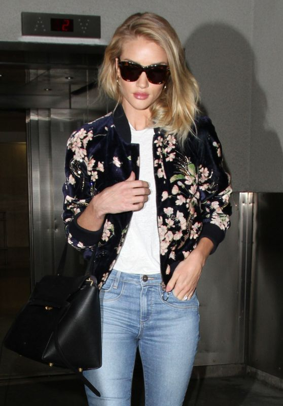 Rosie Huntington-Whiteley Travel Outfit - at LAX in Los Angeles 6/8/2016
